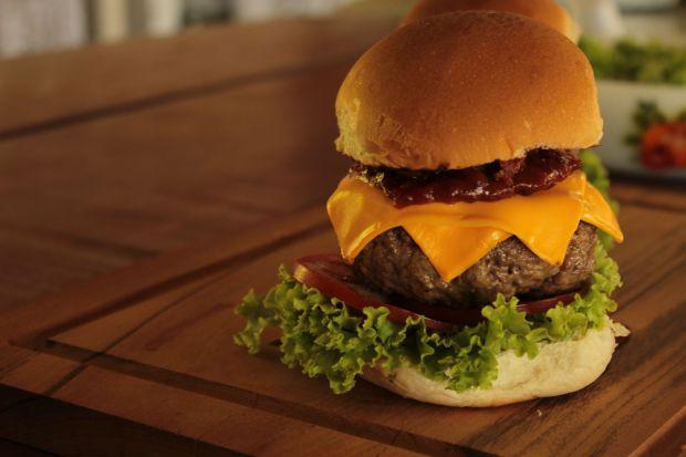 hamburguer-e-molho-barbecue-01